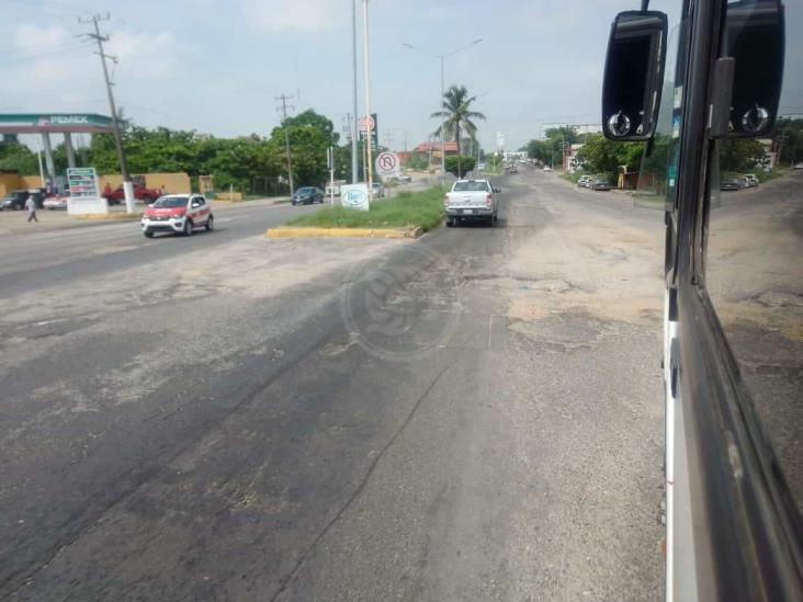 Se manifestarán taxistas por desatención al bulevar en Minatitlán