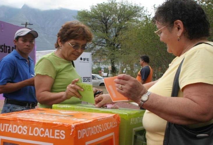 Hace 65 años nació el voto femenino en México