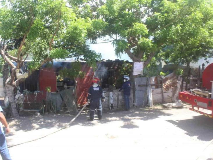 Incendio en vivienda de colonia Dos Caminos genera intensa movilización