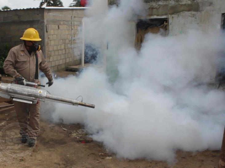 En Agua Dulce, dirección de salud lucha contra el dengue y Covid-19