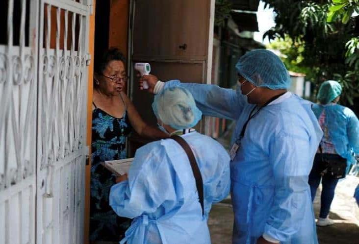 El Salvador pospone reapertura económica ante auge de covid-19