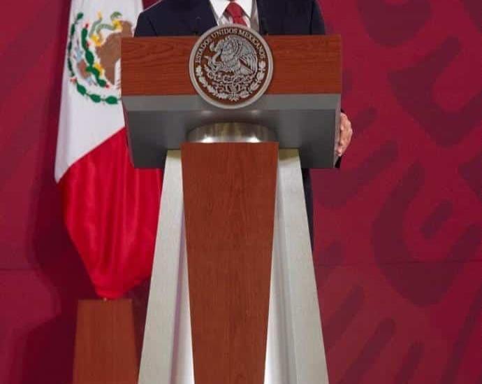 Voy representando a la comunidad migrante mexicana a EU: AMLO