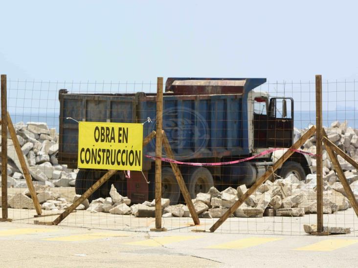 Obras municipales tienen a flote sector de la construcción: CMIC