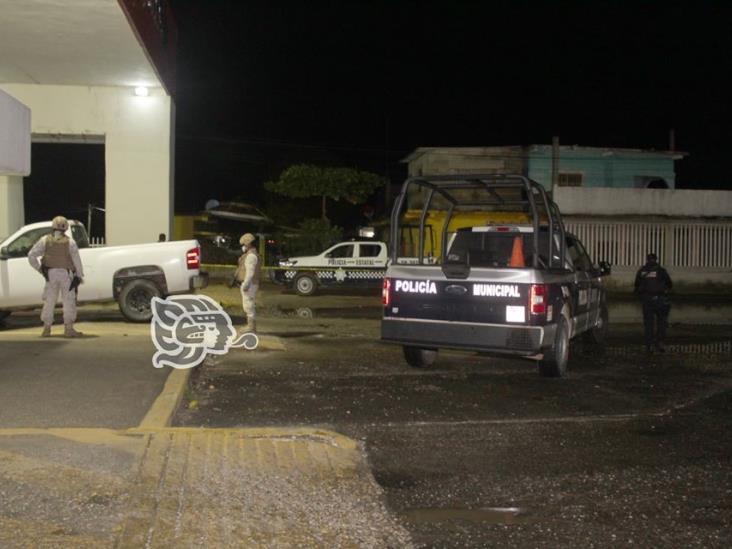 Cerca de factoría de Pemex en Agua Dulce, hallan decapitado