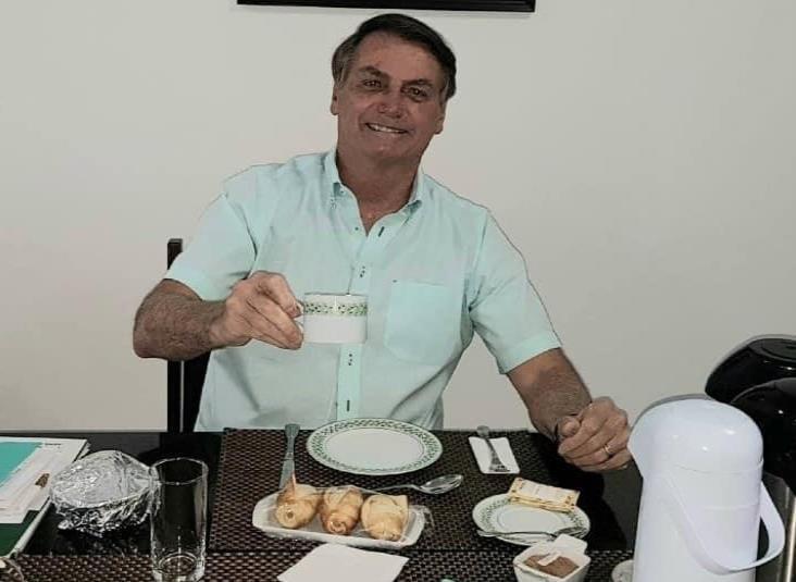 Tras dar positivo a Covid-19, Jair Bolsonaro se recupera con hidroxiquina