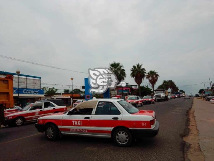 Taxistas de Cosolea pasan por la peor crisis económica