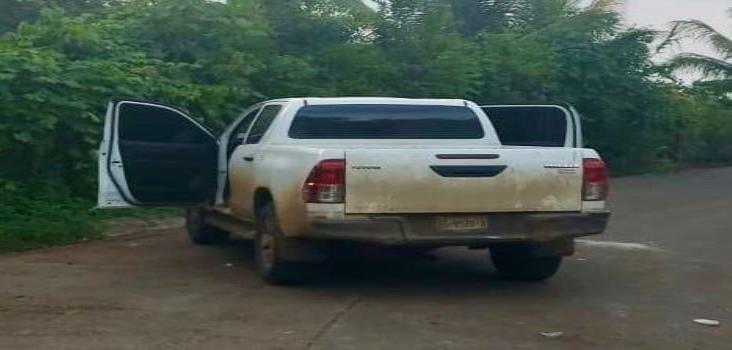 Recuperan vehículo y detienen a un hombre armado en Tezonapa