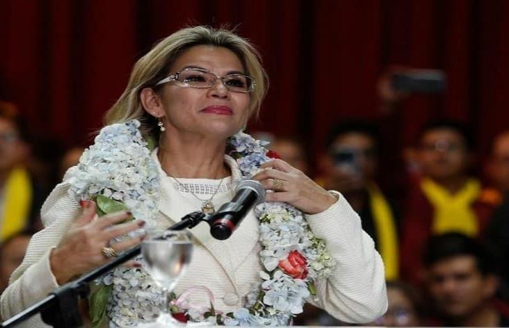 Jeanine Áñez, presidenta de facto de Bolivia, da positivo a Covid-19