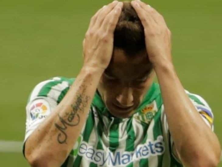 Andrés Guardado sale lesionado y se pierde el resto de la temporada