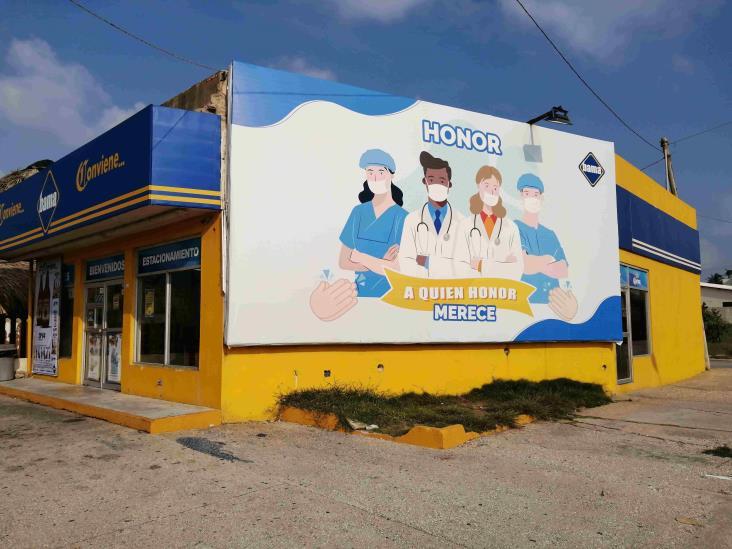 ´Honor a quien honor merece´, reconocen labor de médicos en Coatza
