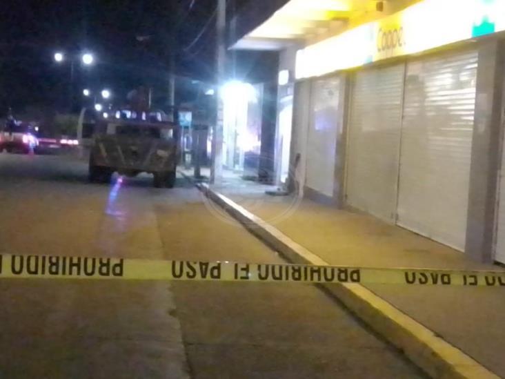 Intento de robo de cajero genera enfrentamiento en Jáltipan; un abatido