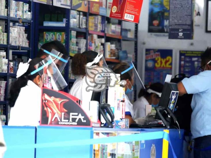 Sesver exhorta evitar la automedicación; genera desabasto en farmacias