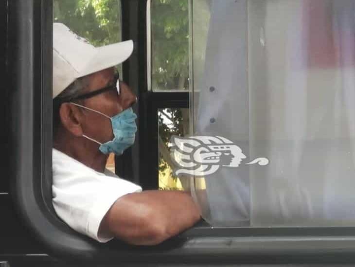 Uso de cubrebocas, obligatorio en transporte público de Tuxpan