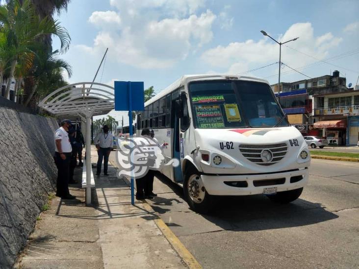 Vigilan que usuarios del transporte acaten las medidas