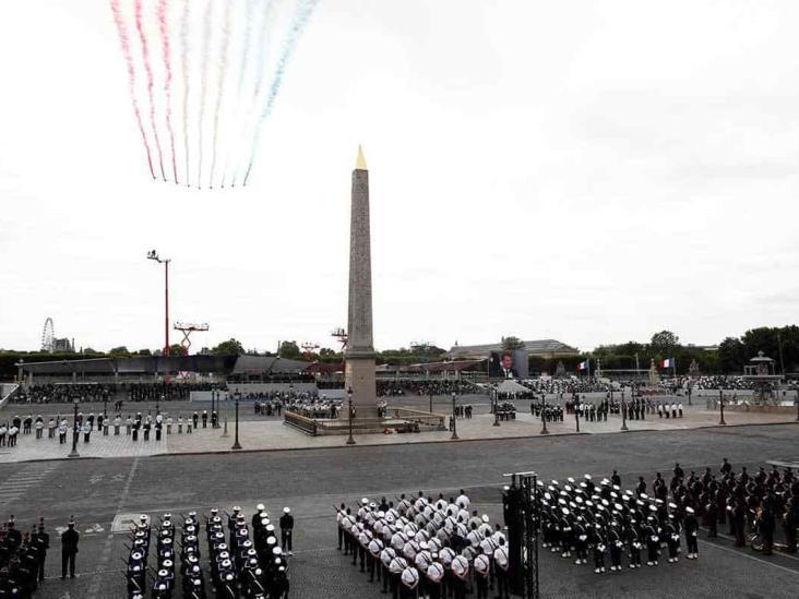 Honra Francia a héroes de pandemia en Día de la Bastilla