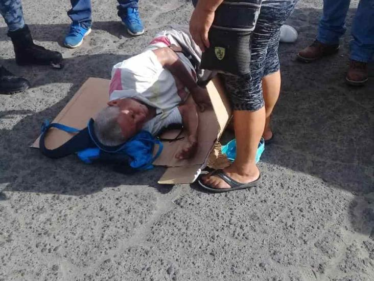Atropella taxista a un ciclista en calles de Veracruz