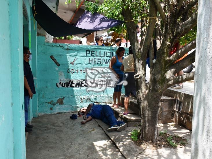 Muere hojaletero tras severa caída en Acayucan