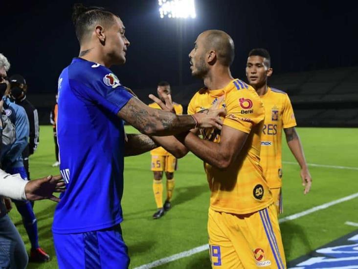 Pizarro retó a Siboldi en el triunfo de Cruz Azul vs Tigres