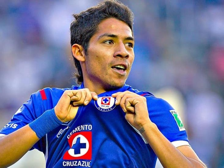Exjugadores de Cruz Azul critican a Javier Aquino tras burlas