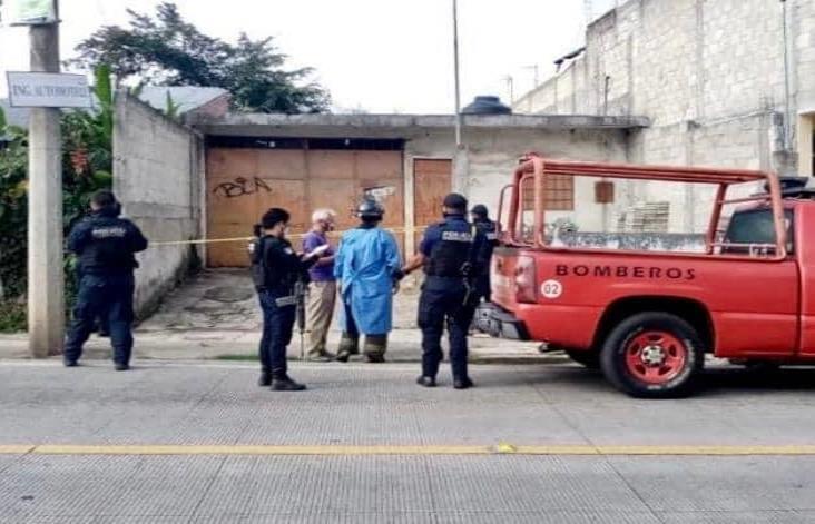 Asesinan a hombre junto con su hija al interior de vivienda en Coatepec