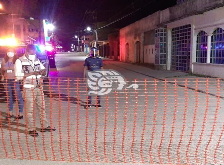 Cierran y desinfectan avenida principal en Villa Cuichapa