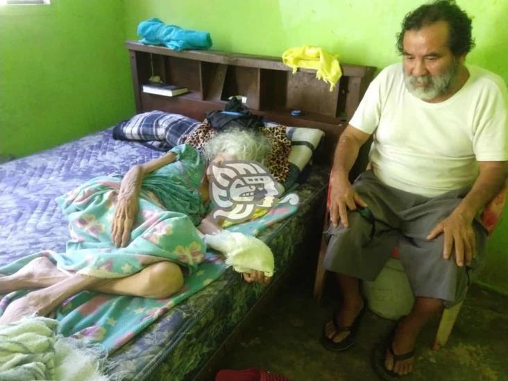 Minatitleco deja sin pensión a su madre de 92 años
