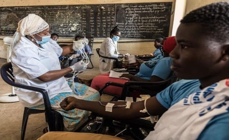 """Preocupa a OMS """"aceleración"""" de la pandemia ahora en África"""
