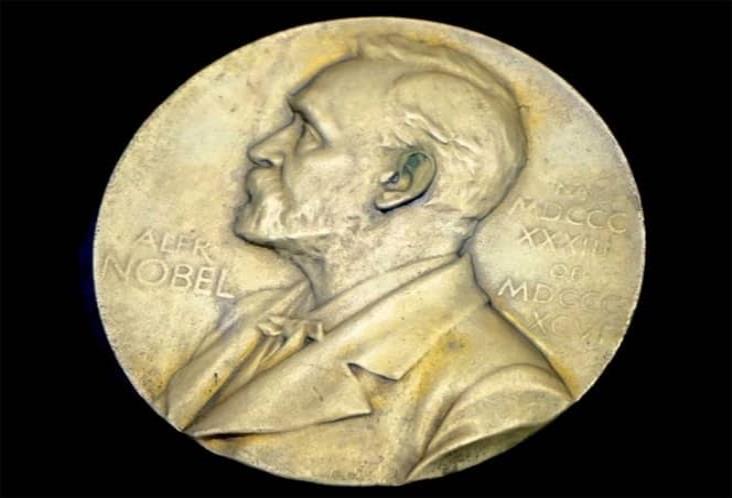 Modifican entrega de premios Nobel y cancelan banquete