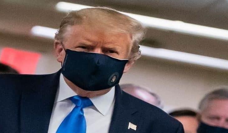Firma Trump orden que excluye a indocumentados del censo en EU