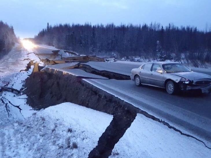 Terremoto de 7.8 sacude Alaska; provoca alerta de tsunami