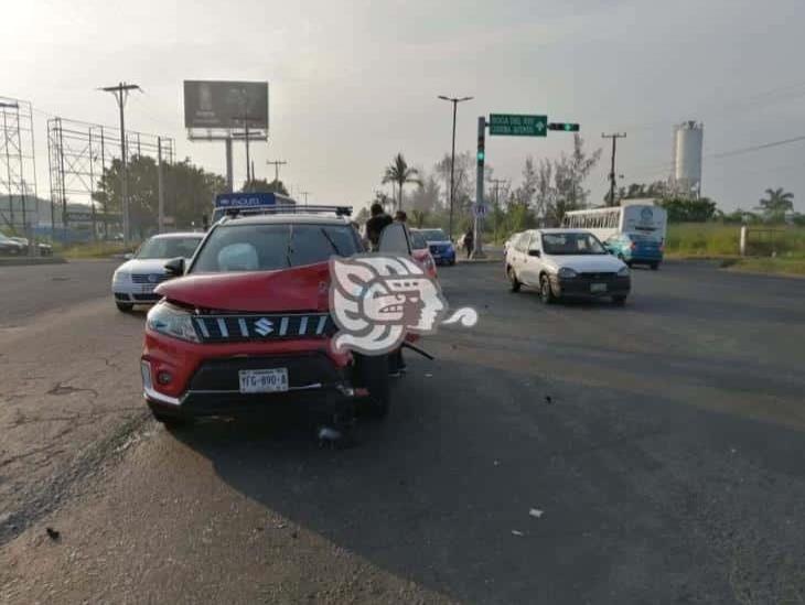 Se registra accidente en carretera federal Veracruz-Xalapa; deja dos personas heridas