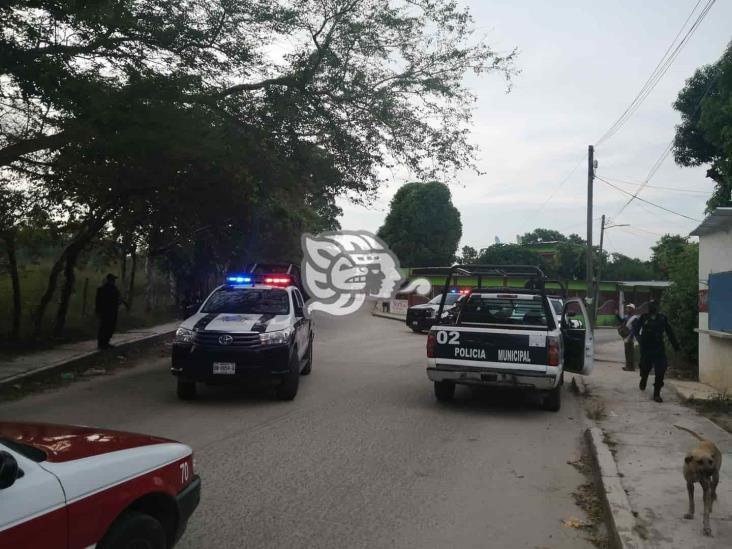 Trasladan al Cereso a presuntos delincuentes detenidos en Las Choapas