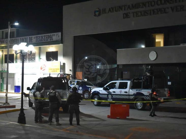 Ataque armado en Comandancia de la Policía de Texistepec; dos oficiales heridos