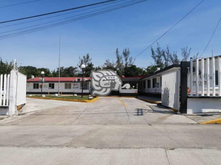Niegan atención a menores en Hospital de Ixhuatlán, acusan