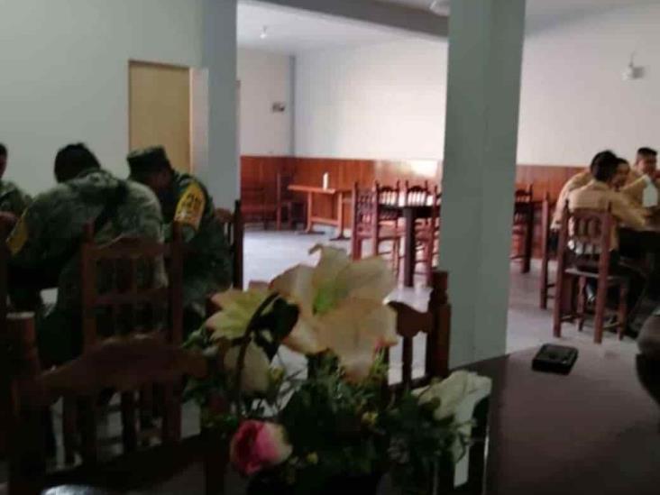 Alcaldesa de Juchique desacata medidas sanitarias y hace fiesta con mariachi