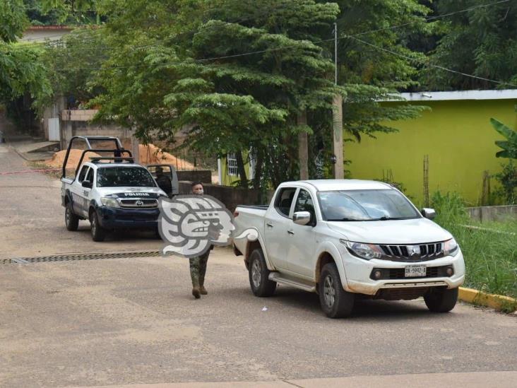 Aseguran camioneta que habrían usado para atacar comandancia de Texistepec