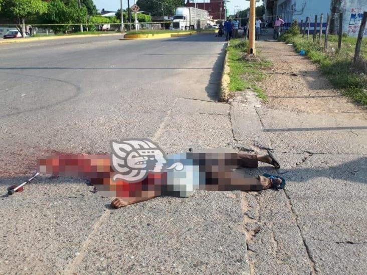 Camionero arrolla y mata a hombre de la tercera edad en Ciudad Isla