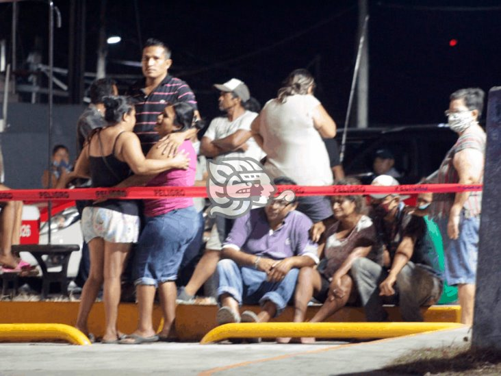 Sicarios persiguen y ejecutan a taxista en Agua Dulce