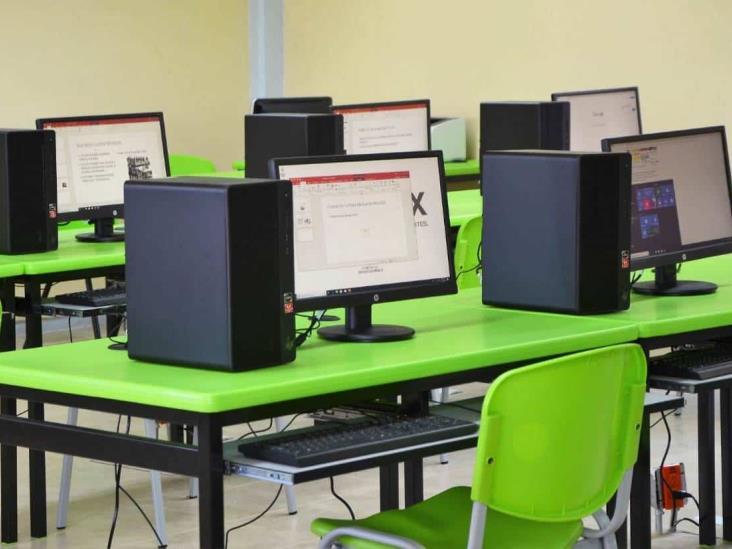 Solo 12 % de aspirantes a la UV harán examen en línea