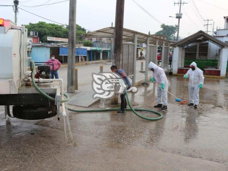 Habitantes de Nanchital piden que les lleven agua con pipas