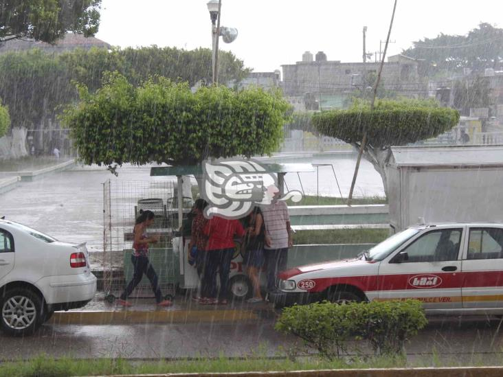 Tormenta deja en Agua Dulce dos viviendas sin techo y apagones