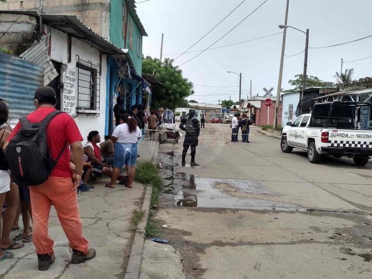 Técnico de celulares es asesinado en su negocio en Coatzacoalcos