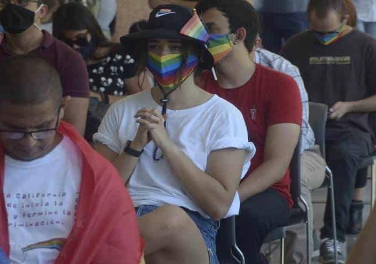 Por segunda ocasión rechazan matrimonio igualitario en BC