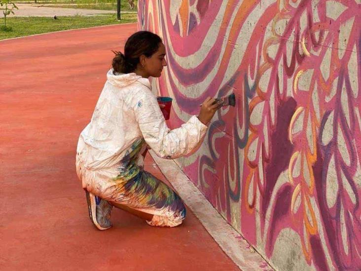 Arantzazu plasma su obra en el Parque Central Miguel Hidalgo