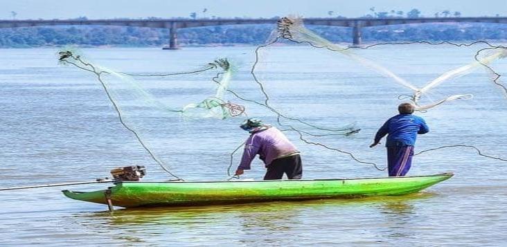 Desaparece joven pescador en Catemaco