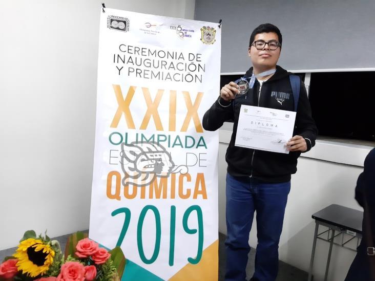 Alumno del Cobaev 18 gana bronce en Olimpiada de Química de Turquía