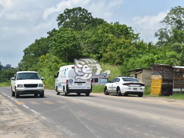 Roban camioneta que transportaba abarrotes en Acayucan