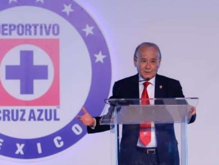 Cooperativistas de Cruz Azul rechazan renuncia de Billy Álvarez