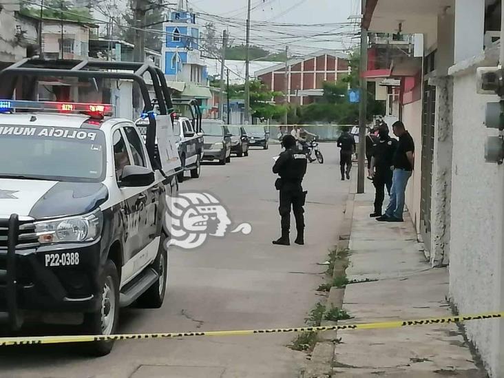 Hombres armados balean clínica particular en  Minatitlán