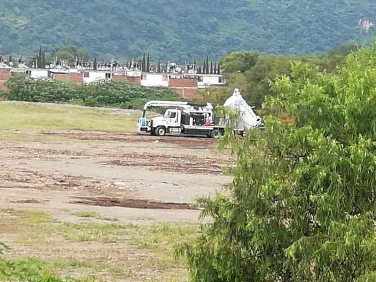 Colonos sorprenden a camión de CAEV contaminando ex laguna Galán